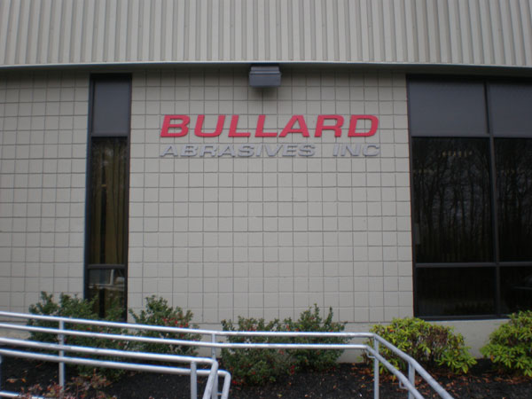 bullard-entrance-side